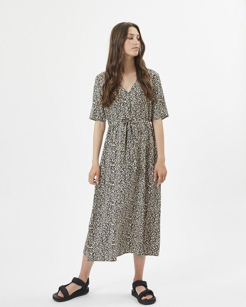 Nutilia Dress
