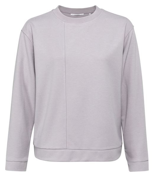 Soft Sweater With Seam at Front