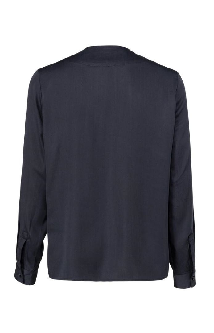 Drapy Long Sleeve Top with v-Neck